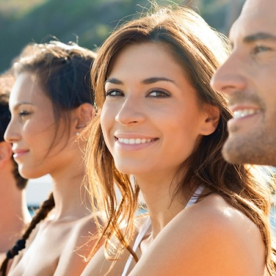 woman with healthy skin with friends